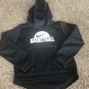 Boys Nike basketball sweatshirt like new.